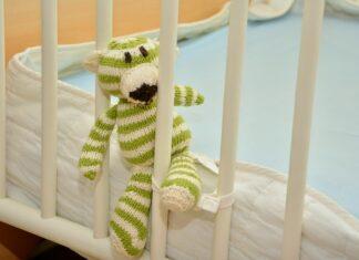 jaki materac do łóżeczka dziecięcego